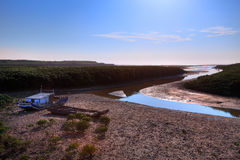 Fischerboot auf dem Feuchtgebiet Lizenzfreies Stockfoto