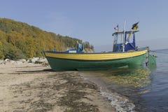 Fischerboot auf dem Meer Lizenzfreie Stockbilder