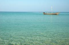Fischerboot auf dem Meer Stockbild