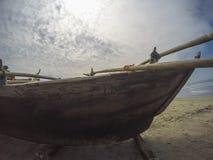 Fischerboot auf dem Strand Lizenzfreies Stockbild
