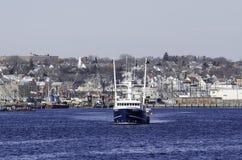 Fischerboot, das New-Bedford verlässt Stockfoto