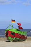 Fischerboot in der Ostsee stockfotos