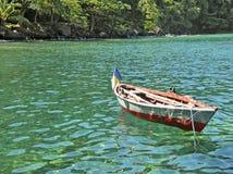 Fischerboot des Einheimischen in Str. Vincent Stockbild