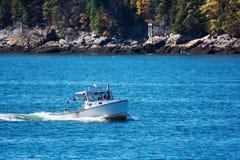 Fischerboot des Hummers in Küsten-Maine, Neu-England Stockfotos