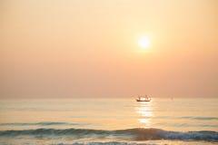 Fischerboot des Morgens Stockfoto
