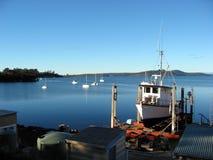 Fischerboot im Drydock Lizenzfreie Stockfotos