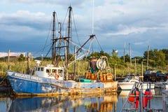 Fischerboot im Hafen Stockfoto