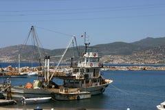 Fischerboot im Jachthafen Stockfotografie