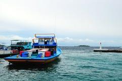 Fischerboot im männlichen Atoll Stockbild