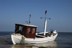 Fischerboot im Meer Stockbild