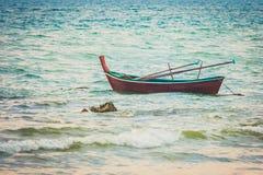 Fischerboot in Long Beach, Koh Lanta, Thailand stockbild