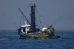 Fischerboot in Meer Lizenzfreies Stockbild