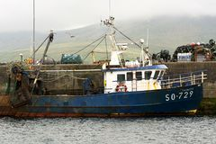 Fischerboot in Portmagee in 15 Mai 2016 Irland Lizenzfreies Stockfoto