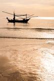 Fischerboot siamesisch auf dem Meer Stockbild