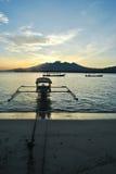 Fischerboot verankert in Gili Meno-Insel Lizenzfreies Stockfoto
