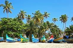 Fischerboote auf Strand, Kerala, Indien Lizenzfreies Stockfoto