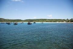 Fischerboote in der Bucht von Südchinameer Stockfotografie