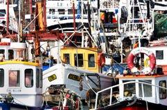 Fischerboote in Howth beherbergten, Howth (Dublin), Irland Stockfotos