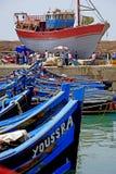 Fischerboote im Hafen von Essaouira Stockbild