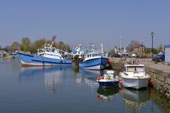 Fischerboote im Kanal von Honfleur in Frankreich Lizenzfreies Stockfoto