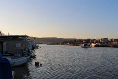 Fischerboote in Sarıçay lizenzfreies stockbild