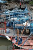Fischerboote während der Ebbe Lizenzfreie Stockbilder