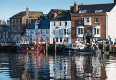 Fischerboote in Weymouth-Hafen Stockbild