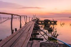 Fischerbrücke für tragende Fische Stockbild