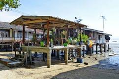 Fischerbretterbuden in Mook-Insel lizenzfreie stockfotos