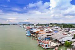 Fischerdorf bei Rayong Thailand Stockbild