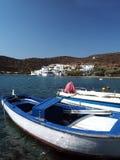 Fischerdorfhafen von Strand Griechenland Faros Sifnos Gilfos Stockfoto
