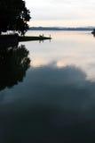 Fischerei am Abend Lizenzfreies Stockfoto