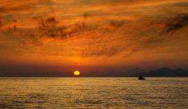 Fischerei bei Sonnenuntergang Stockfoto