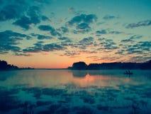 Fischerei bei Sonnenuntergang Lizenzfreies Stockbild
