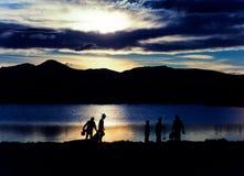 Fischerei in dem See Stockfotos