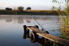 Fischerei an der Dämmerung Stockbild