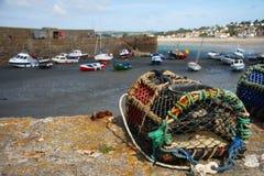 Fischerei der Falle und befestigt, botes fischend lizenzfreie stockfotografie