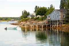 Fischerei des Bretterbudes und des Piers Lizenzfreies Stockfoto