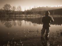 Fischerei im Fluss Lizenzfreies Stockfoto