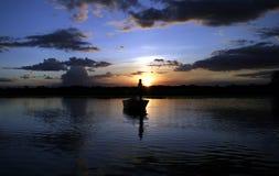 Fischerei mit Crocs Lizenzfreies Stockbild