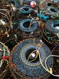 Fischerei-Töpfe auf Boot lizenzfreies stockbild