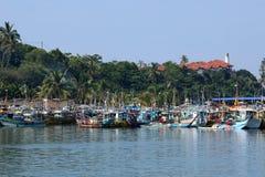 Fischereihafen von Matara in Sri Lanka stockfotos