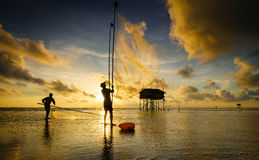 Fischernetz während des Sonnenaufgangs Lizenzfreie Stockfotografie