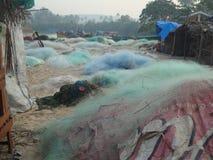 Fischernetze auf dem Ufer Lizenzfreie Stockfotografie