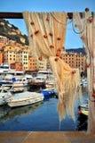 Fischernetze in Camogli-Hafen Stockfotos