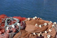 Fischernetze am Hafen von Puerto Tazacorte lizenzfreie stockfotos