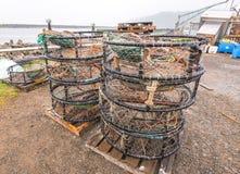 Fischernetzkasten aus den Grund im Fischendock Lizenzfreie Stockfotos