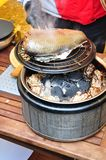 Fischkochen lizenzfreie stockfotos