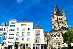 Fischmarkt και μεγάλη εκκλησία του ST Martin, Koln - Κολωνία, Γερμανία, 05 07 17 Στοκ εικόνα με δικαίωμα ελεύθερης χρήσης