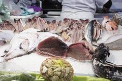Fischschnitt-Fischmarkt Stockfotos